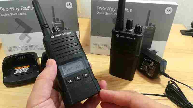 Как выбрать профессиональную рацию? - мини обзор Motorola XT-420